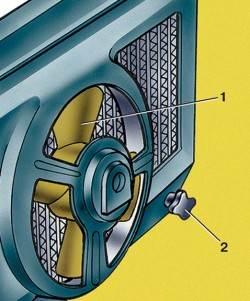 Расположение сливного отверстия радиатора системы охлаждения
